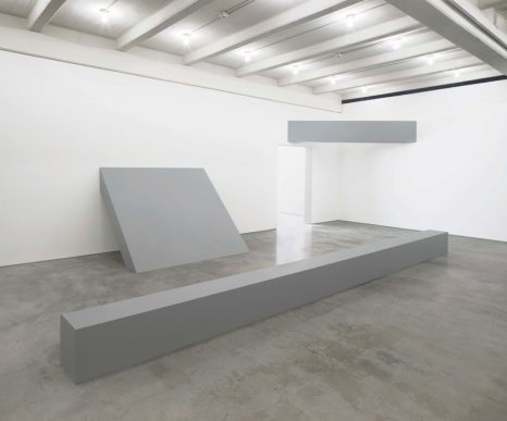 Robert Morris installation